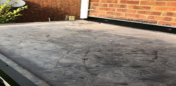 lean to roofing in Knowlhill